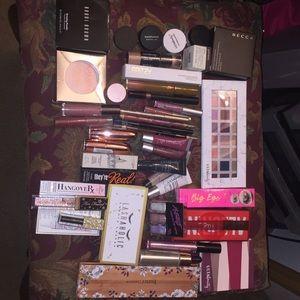 Makeup lot-Becca, ulta, tarte, jouer, huda beauty
